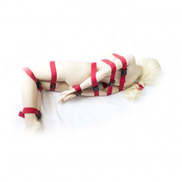 Бондаж из красных ремней для всего тела